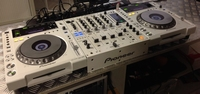 PIONEER DJ 850 WHITE SET